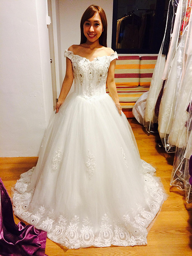 1314 Choosing The White Gown